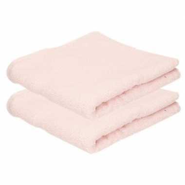 2x badkamer/douche handdoeken licht roze 50 x 90 cm prijs