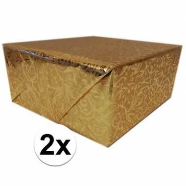 2x cadeaupapier goud metallic met klassieke print 150 cm per rol prij