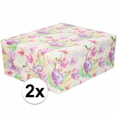 2x gekleurd cadeaupapier met tropische bloemen en vogels 70 x 200 cm