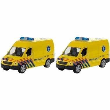 2x speelgoed ambulance met licht en geluid prijs