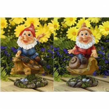 2x tuin beeldjes bewegende tuinkabouters op schildpad/slak 21cm prijs