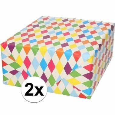 2x verjaardagscadeau inpakpapier ruitjes 70 x 200 cm prijs