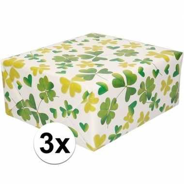 3x cadeaupapier wit met klavertjes 200 cm per rol prijs