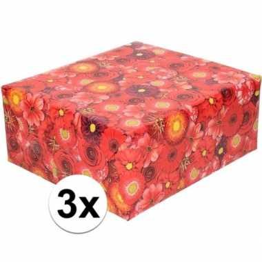 3x rood cadeaupapier met bloemen 70 x 200 cm prijs
