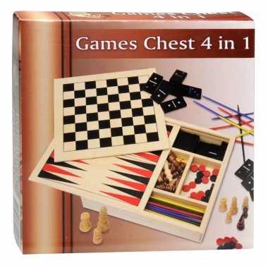 Familiespellen in houten doos 4 in 1 prijs