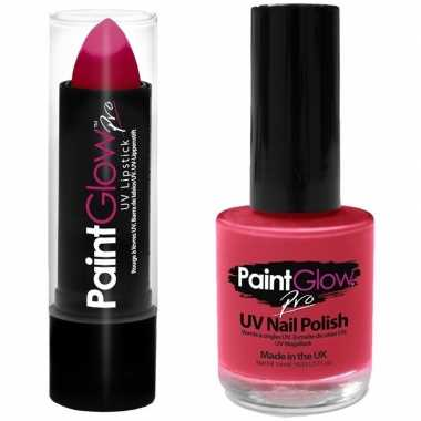 Felroze/neonroze lippenstift/lipstick en nagellak uv/glow in the dark