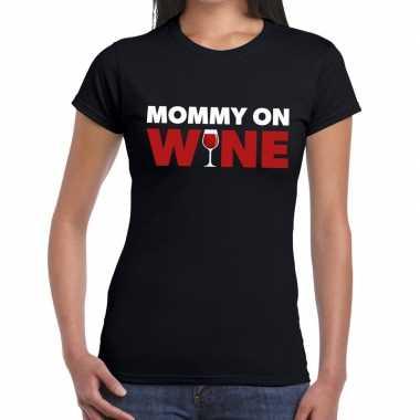 Fun t-shirt mommy on wine zwart voor dames prijs