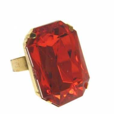 Goudkleurige pimp ring met rode steen prijs