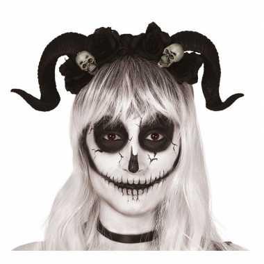 Horror haarband met zwarte hoorns en doodshoofden prijs