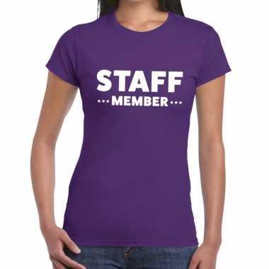 Personeel t-shirt paars met staff member bedrukking voor dames prijs