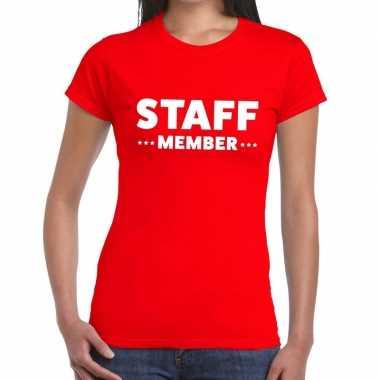 Personeel t-shirt rood met staff member bedrukking voor dames prijs