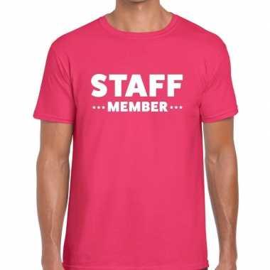 Personeel t-shirt roze met staff memeber bedrukking voor heren prijs