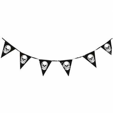 Piraten vlaggenlijn met schedels 360 cm prijs