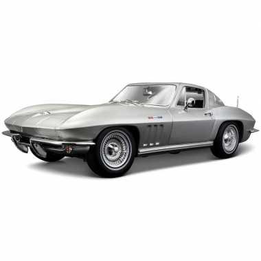Schaalmodel chevrolet corvette 1965 1:18 prijs