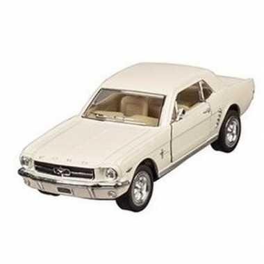 Schaalmodel ford mustang 1964 creme 13 cm prijs