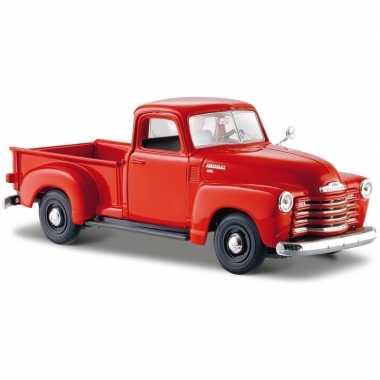 Schaalmodel rode chevrolet 3100 pickup 1:24 prijs