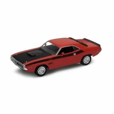 Speelgoedauto dodge challenger 1970 rood 1:34 prijs