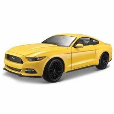 Speelgoedauto ford mustang gt1:36 geel prijs