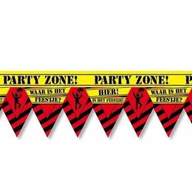 Versiering/decoratie waar is hett feestje afzetlint vlaggetjes 12 met
