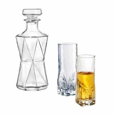 Whiskeyset bestaande uit 1 karaf met twee hoge glazen prijs