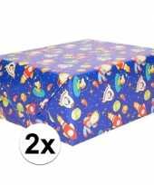 Vergelijk 2x cadeaupapier blauw ruimte thema 200 x 70 cm prijs