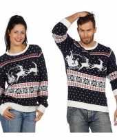 Vergelijk donkerblauwe kerst sweater met rendieren voor volwassenen prijs